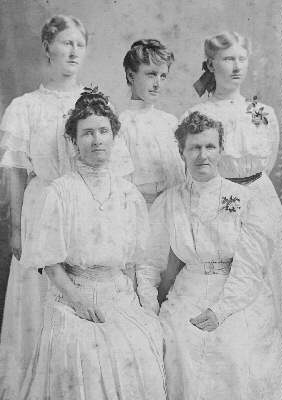 mrs w m thompson & daughters